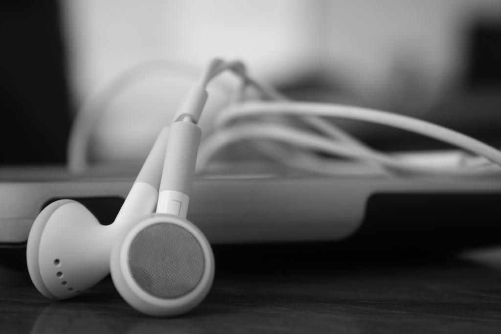 goals headphones
